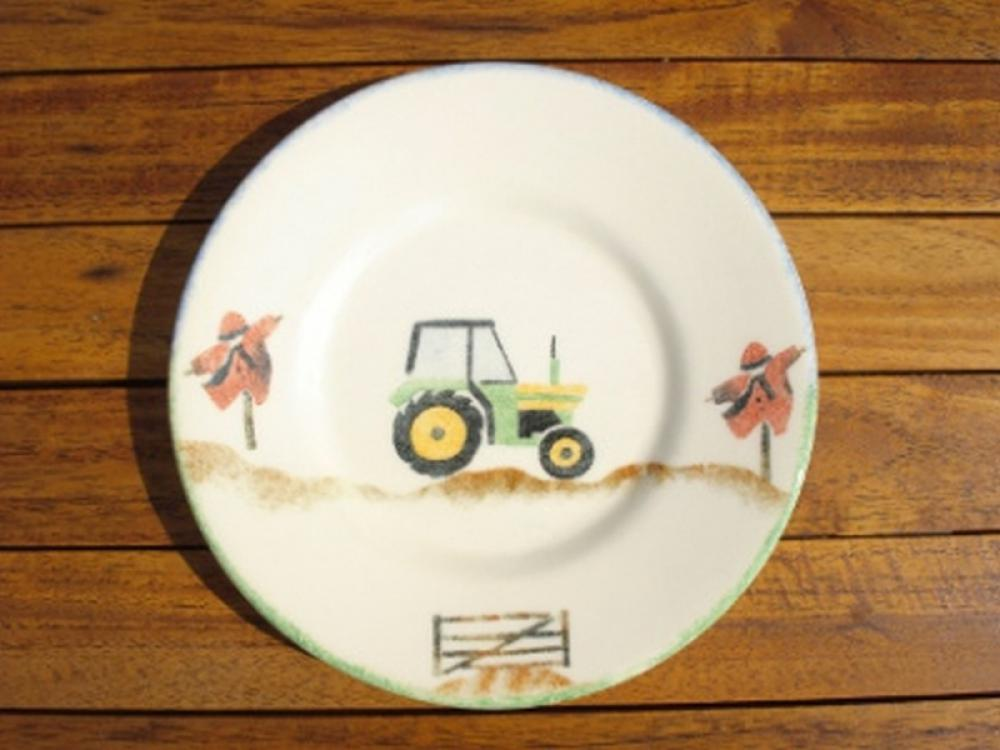 Children's crockery tractor plate